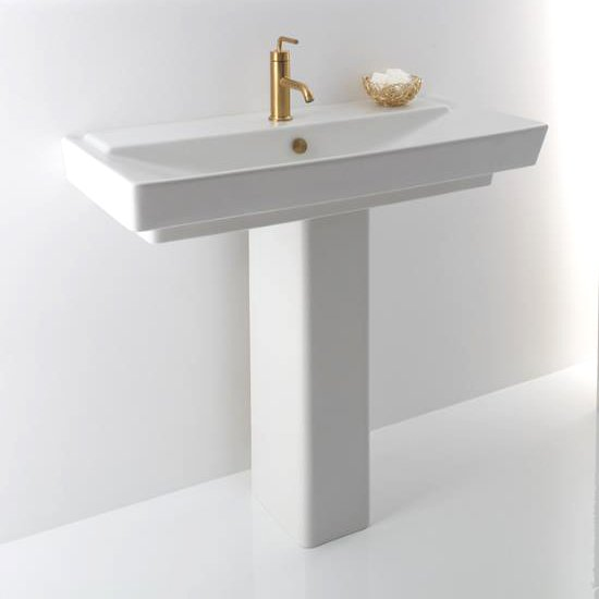 small pedestal sink for small bathroom
